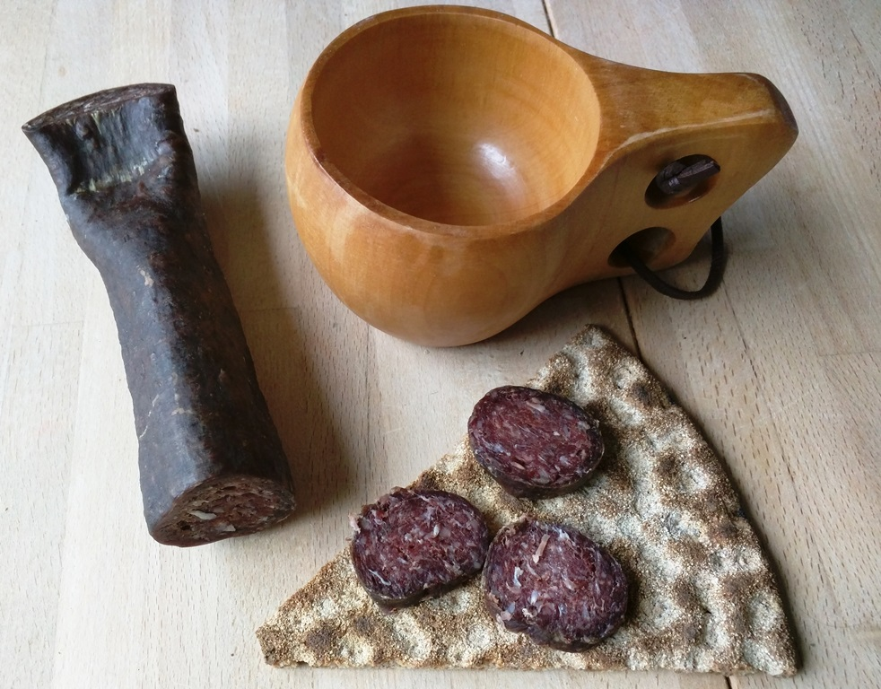 Rendierworst eten in Noord-Dalarna