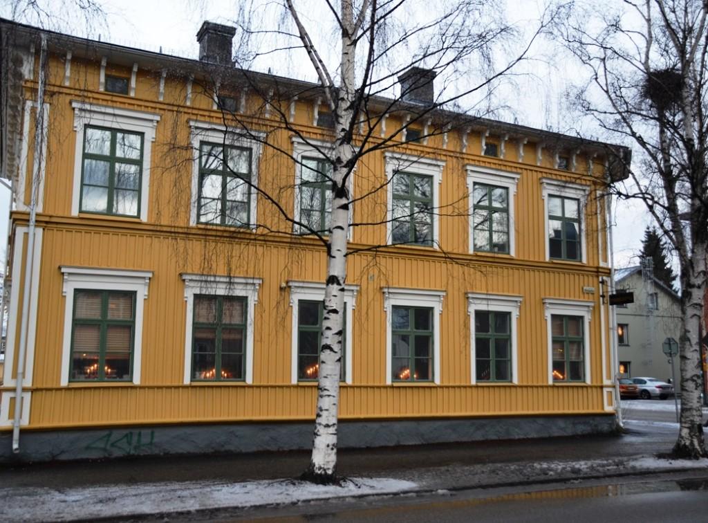 Straten van Umea geel