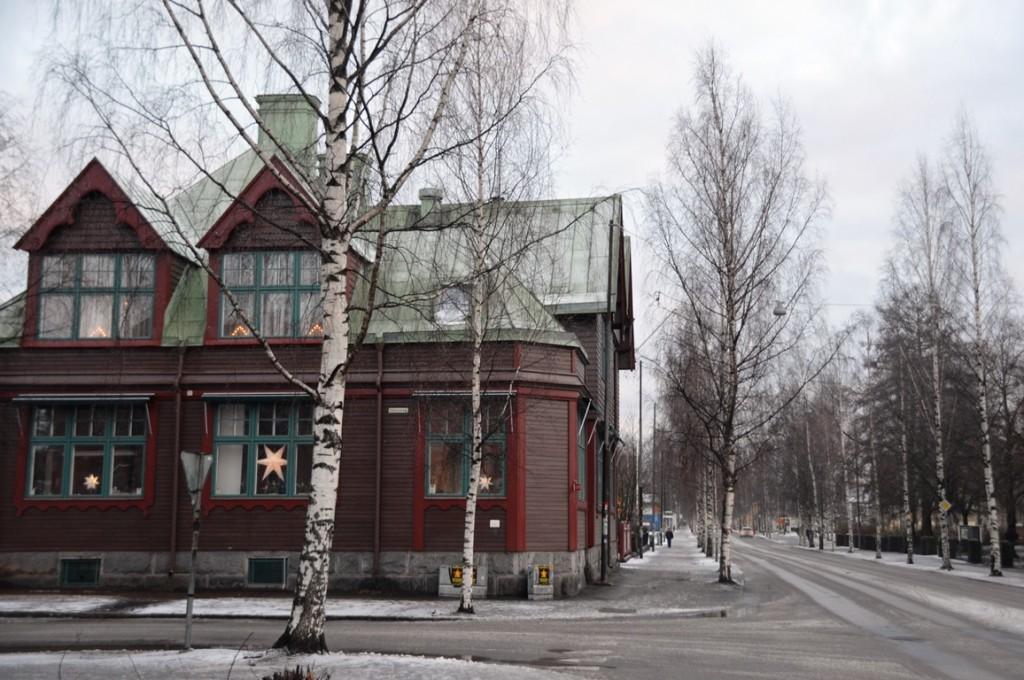 Straten van Umea huis met kerstster