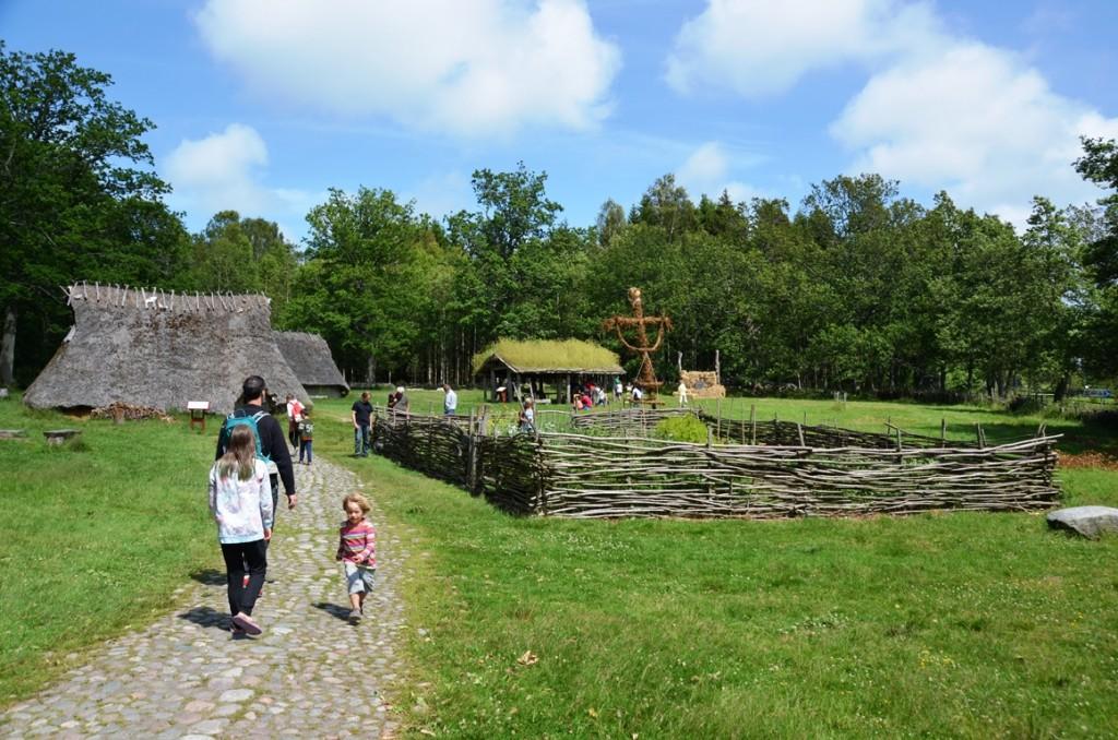 Openluchtmuseum bij rotstekeningen van Tanum en Vitlycke Museum