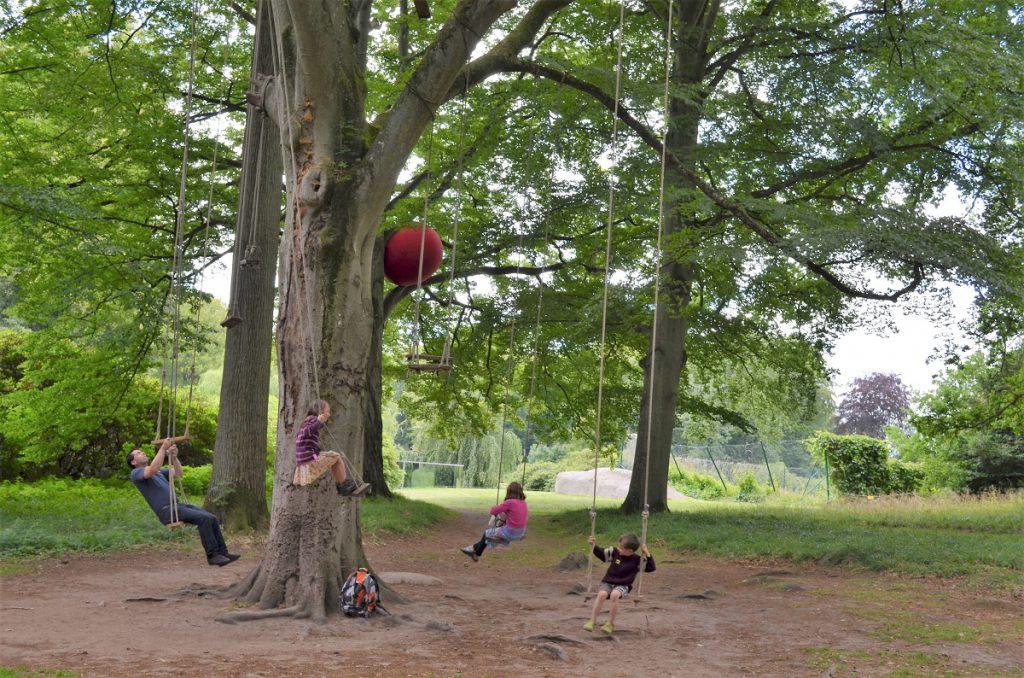 beeldenpark wanas konst in zweden
